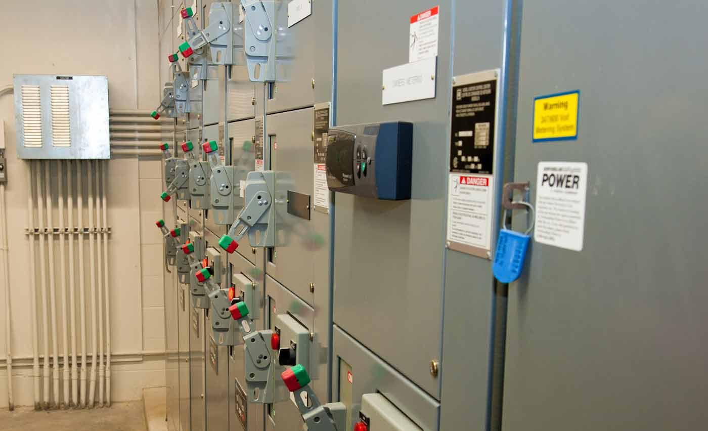 Rozdzielnica elektryczna niezbędna do prawidłowego procesu łączenia różnego rodzaju procesów elektrycznych