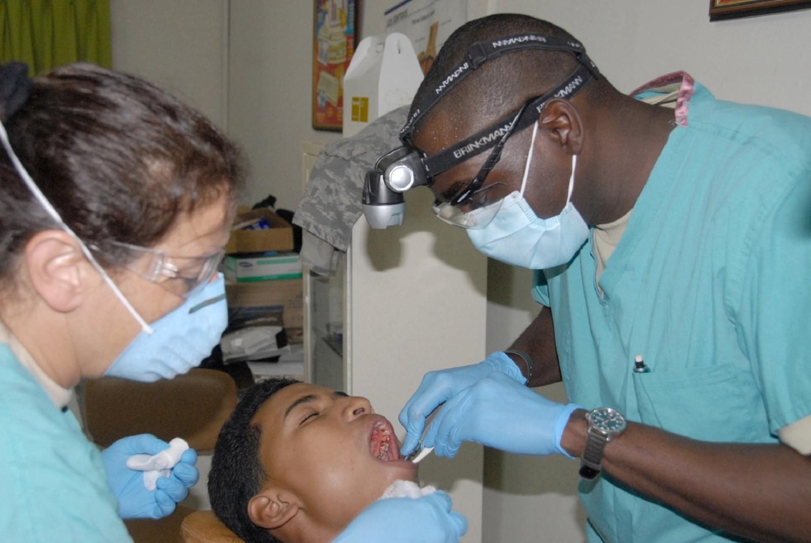 Naprawa protez w gabinetach stomatologicznych